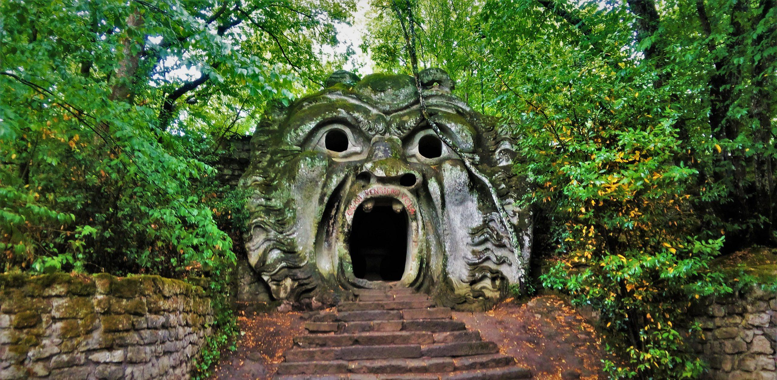 Bomarzo, la fiaba grottesca del parco dei mostri