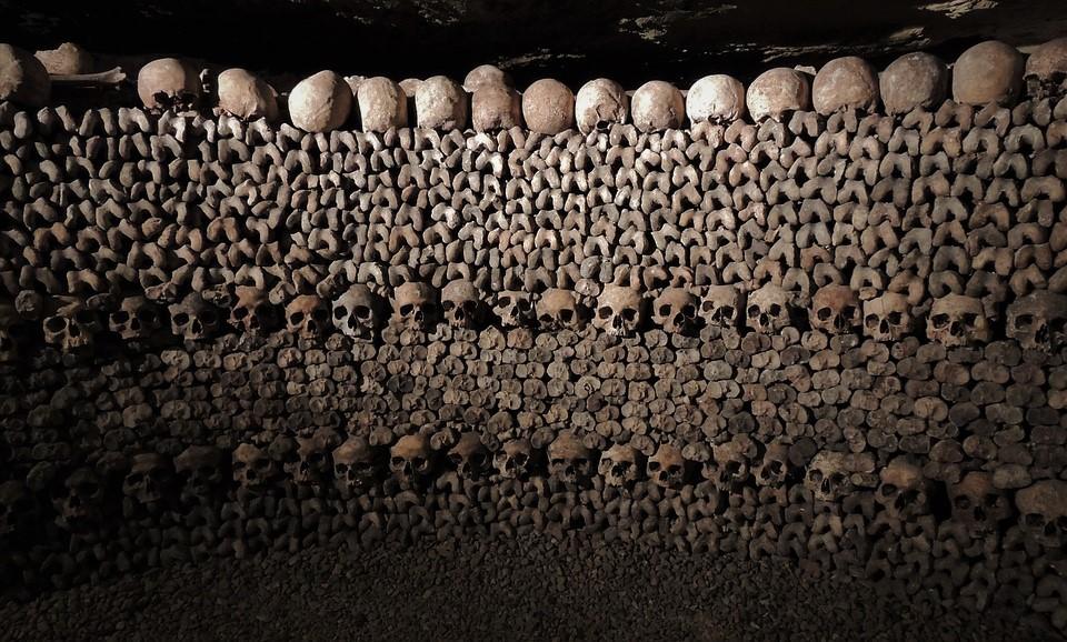 Catacombe di Parigi, benvenuti nel Regno dei morti