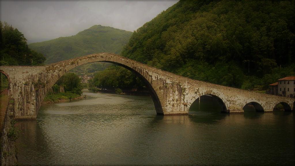 Lucca, il portentoso Ponte del Diavolo