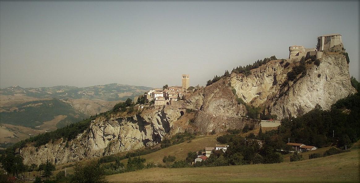 Rocca San Leo pozzetto