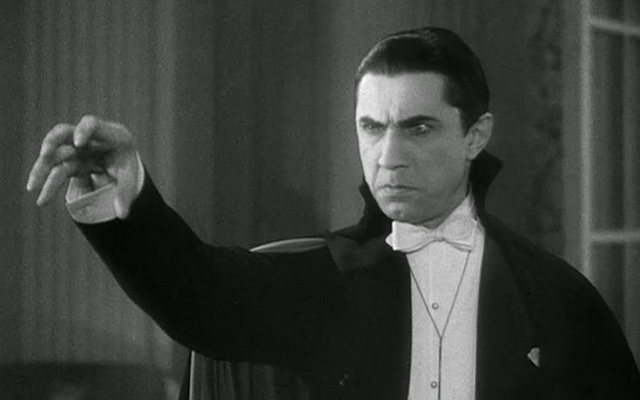 Bela-Lugosi-playing-Dracula-film-portray